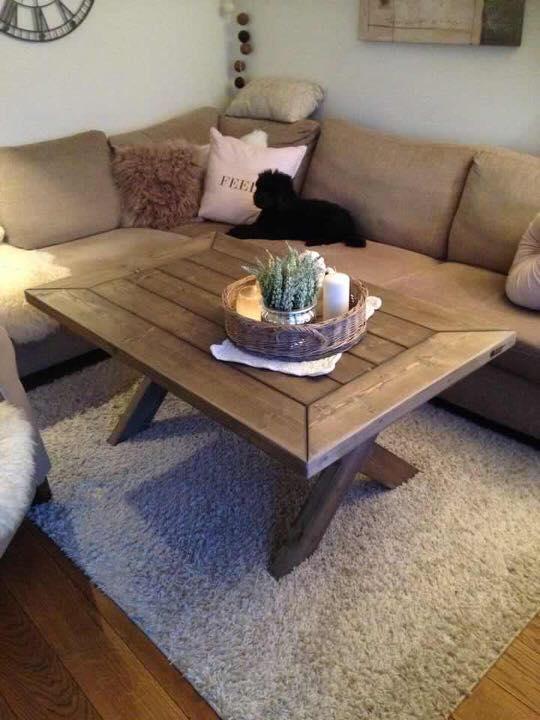 Randi sofabord 80x80x52 cm kr. 3690,-.